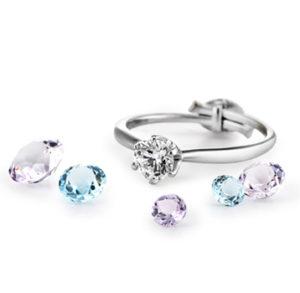 ダイアの婚約指輪